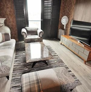 1 Bed Apt In China Town photos Exterior