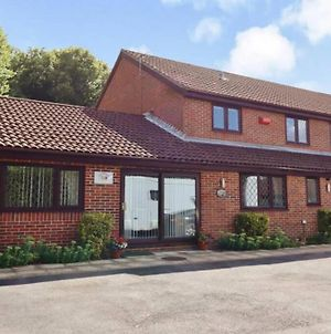 Strawberry Fields 5 Bed Detached House photos Exterior