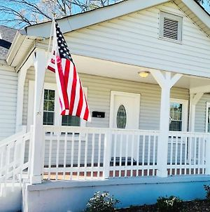 Large Renovated Cottage On East Lake Park photos Exterior