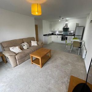 Newly Refurbished Apartment, Great For Get Aways, Close To Train Station And Gullivers World, Free Onsite Parking, High Speed Wifi photos Exterior