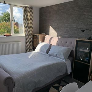 New Double Ensuite Room Near Golf Club And Business Park photos Exterior