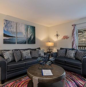 Recently Renovated 2Nd Floor Unit With Balcony, Bbq Grill & Access To Community Pool! Condo photos Exterior