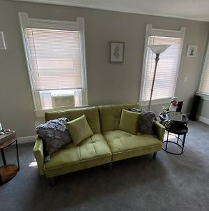 Free Wine With 2Bdr Unit 10 Mins From Dwntwn Cle photos Exterior