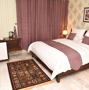 Room In Guest Room - Beautiful Guest House - Islamabad Center photos Exterior