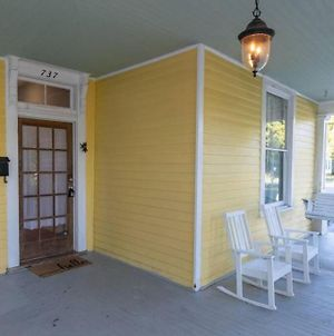The Sunny Southern Manse Large Downtown Home photos Exterior