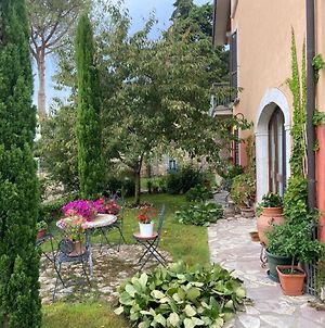 La Casetta Del Poggiolo - Delightful Apartment With One Bedroom And A Private Garden Immersed In The Umbrian Green 8 Km From Trasimeno Lake, 18 Km From Perugia Center, 25 Km From Assisi photos Exterior