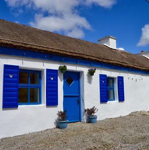 Beautiful Thatched Adderwal Cottage Donegal photos Exterior
