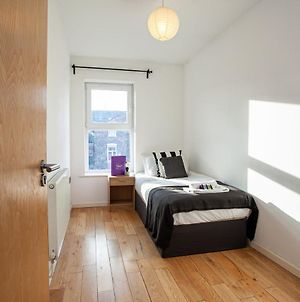 Large Apartment Near Manchester City Centre Perfect For Groups photos Exterior