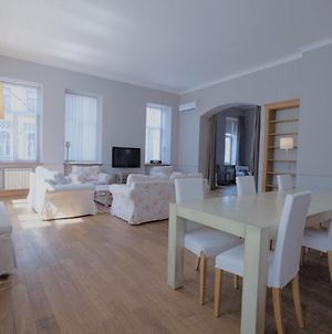 Great 144 Sq.M. Apartment In The Center Of Kyiv photos Exterior