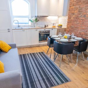 Spacious, Modern Duplex Close To Mcr City Centre And Old Trafford By Pillo Rooms photos Exterior