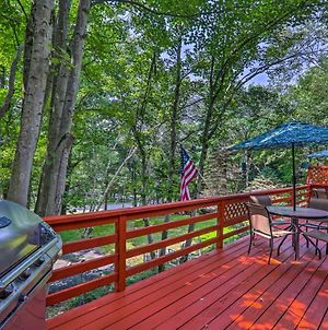Updated Blakeslee Cottage With Fire Pit And Deck! photos Exterior