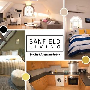 The Riverside By Banfield Living - A Beautifully Designed 2 Bed Oxford City Apartment With Parking photos Exterior
