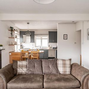 Pass The Keys Lovely 2Bed Spacious Bright Apartment Queens Park photos Exterior