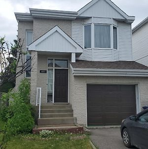 Furnished One Bedroom Basement Apartment! photos Exterior