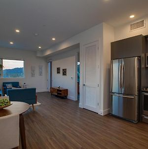 Centrally Located In Sunset Blvd 30 Day Stays photos Exterior