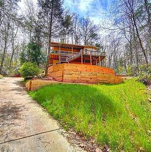 Cozy Cabin Retreat - Hot Tub, Fireplace & Fire Pit photos Exterior