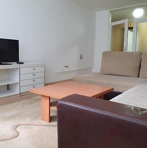 Comfort 69M2 Apartment With Two Bedrooms And Parking Sarajevo Center photos Exterior