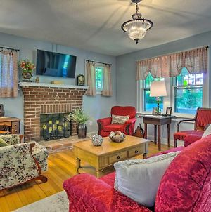 Restored 1930S Home On 1 Acre Walk To Town! photos Exterior