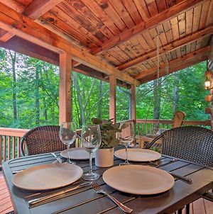 Chic Creekside Cabin, 25 Miles To Asheville photos Exterior