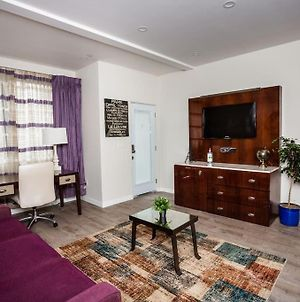 1 Bedroom Apartment With Luxurious Design In Sd photos Exterior