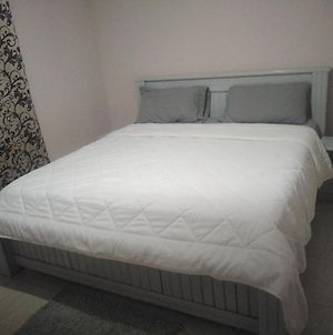 A Furnished Bedroom Apartment With A/C, 24Hr Standby Generator, Kitchen And Bathroom photos Exterior