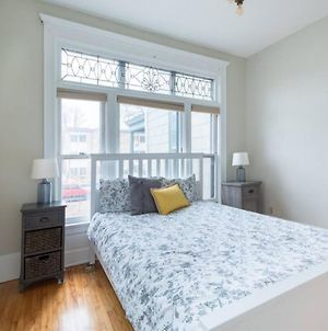 2 Bedroom Charm Filled Victorian In Heart Of Uptown photos Exterior