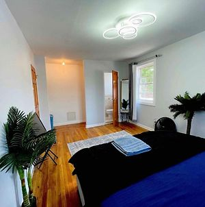 King Room And Bed With Half Bath In Canarsie photos Exterior