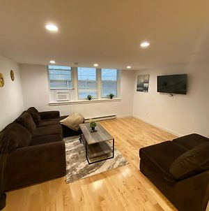 Brand New 2 Bed 2 Bath Apartment Centrally Located photos Exterior