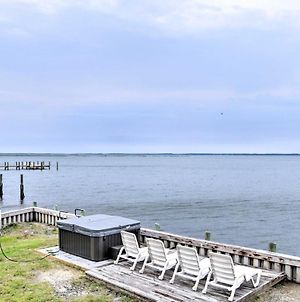 Brant Point Bayfront Bungalow With Hot Tub! photos Exterior