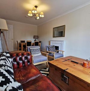 2 Bed Right On Leith Walk 15 Min Walk To Waverly ! photos Exterior