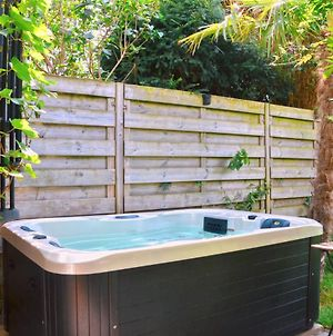 Vintage Style Botanical Home With Jacuzzi In Gent photos Exterior