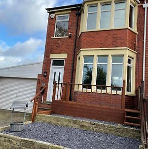 Stunning 3 Bed House Near Blackpool Zoo, Stanley Park And Victoria Hospital photos Exterior