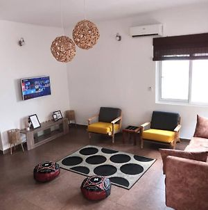 Woodhouse-Modern 2Bed Apt With 24/7 Power And Wifi photos Exterior