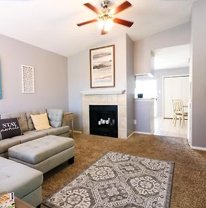 No Worries Beautiful 2 Bed 2 Bath At The Palms Great Location And Amenities Galore photos Exterior