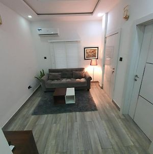 A Homely 1 Bedroom Apartment In Admiralty Way Lekki Phase 1 photos Exterior
