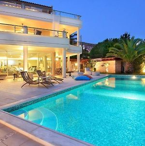 Luxury Villa With Pool, 30M. From The Beach photos Exterior