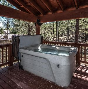 Bear Paw, 3 Bedrooms,Hot Tub, Pets Welcome, Fireplace, Wifi, Sleeps 8 photos Exterior