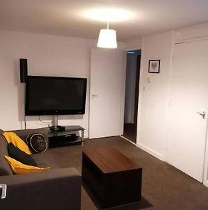 Guildford - Entire Flat With Free Wifi And Parking photos Exterior