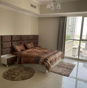 Studio Apartment In Dunya Tower , Downtown Dubai By Cozy Holiday Homes photos Exterior