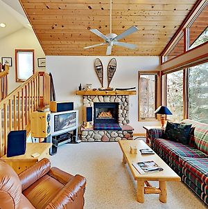 Sun-Soaked Ski Resort Townhome With Hot Tub Townhouse photos Exterior