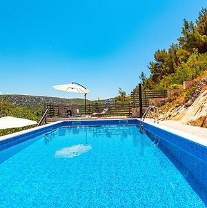 Beautiful Home In Skradin With Outdoor Swimming Pool, Wifi And 3 Bedrooms photos Exterior