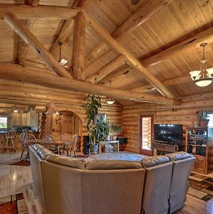 Exquisite Log Home With Lander Valley Views! photos Exterior