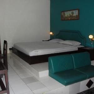 Hotel Minahasa photos Room
