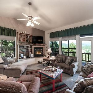Robins Nest, Pet Friendly, 3 Bedrooms, Fireplace, Hot Tub, Game Room, Sleeps 8 photos Exterior
