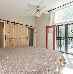 Secluded Oasis W Hot Tub, Screened-In Porch, Wifi! photos Exterior