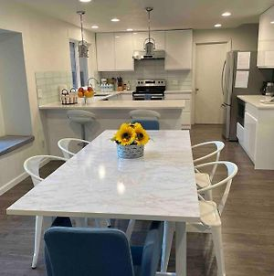 Remodeled 4 Bed, Minutes To Bellevue Downtown photos Exterior