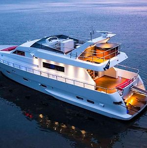 1-3 Bed Cabin On A Luxurious Yacht photos Exterior