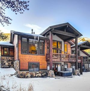 Luxurious 6 Bdr Lodge With Private Hot Tub And Views photos Exterior