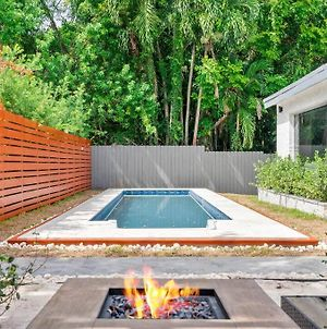 Enjoy Miami With A Pool, Lounge Room, And More photos Exterior