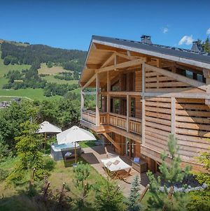 Luxury Chalet For 10 In Les Gets With Stylish Ensuites Cinema Room & Hot Tub For A Perfect Holiday photos Exterior